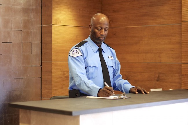 3 Reasons to Hire Uniformed Security Officers for Your Business